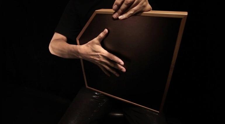 aFrame: Trống điện tử mix nhạc cực chất chỉ bằng một bàn tay