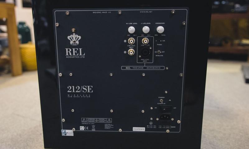 Đánh giá Subwoofer REL 212SE: Êm ái và sâu lắng