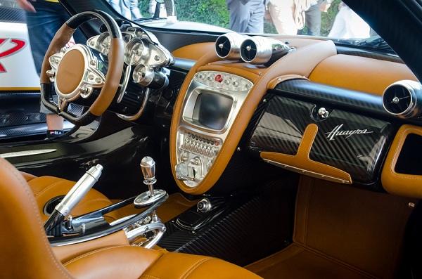 Trọn bộ sưu tập loa Ý trên chiếc xe nhanh nhất thế giới
