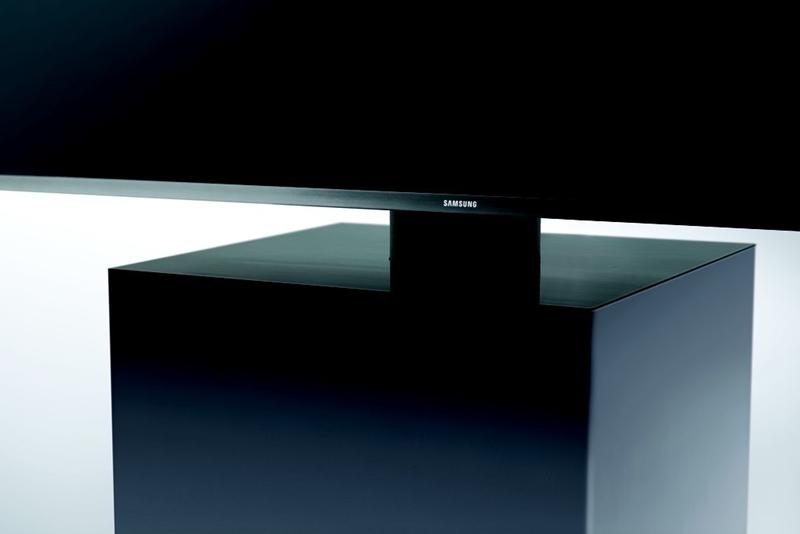 CES 2015: Samsung hợp tác với nhà thiết kế Yves Behar làm TV High-end