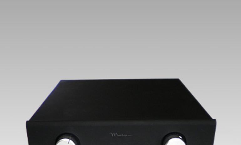 Pass Labs giới thiệu ampli stereo tích hợp INT-60 và INT-250