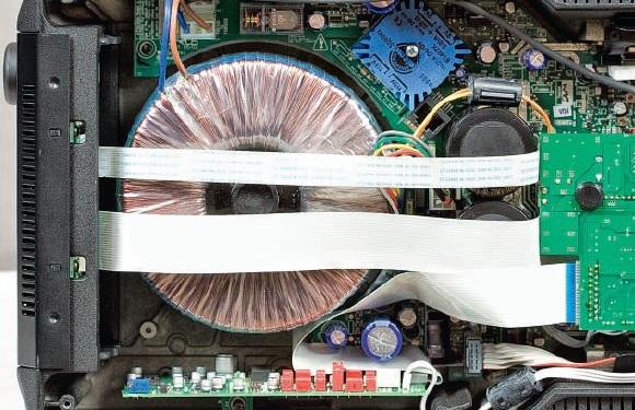 Cyrus 8 Qx DAC: Ampli kèm DAC nhỏ mà mạnh