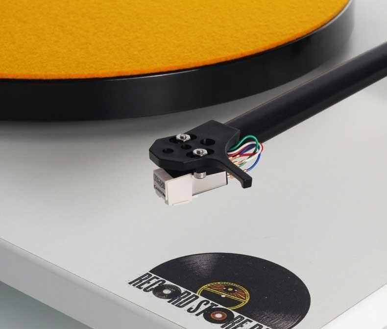 Rega ra mắt mâm đĩa than RP1 phiên bản giới hạn số lượng