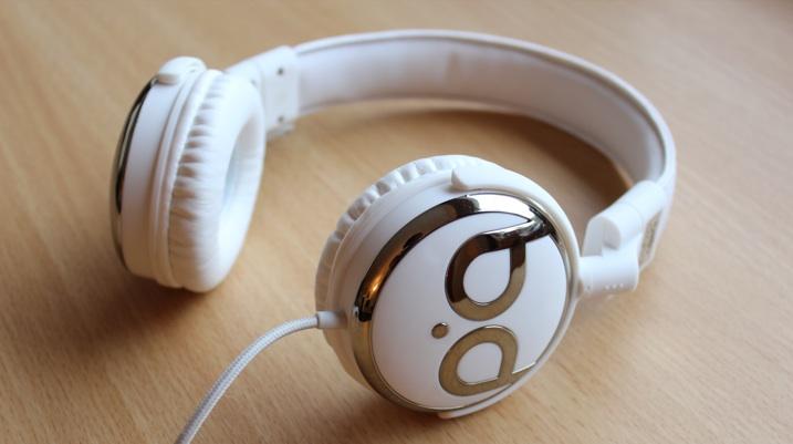 4 headphone mới, giá rẻ, tiếng hay