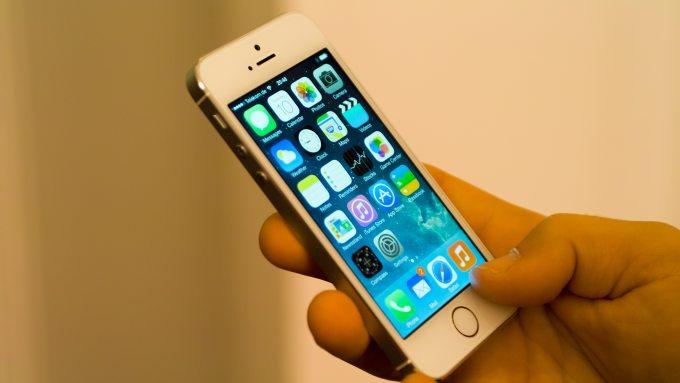 Sôi động thị trường smartphone cuối năm