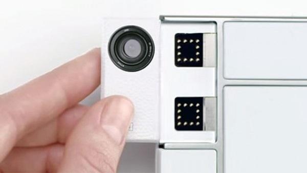 """Toshiba trình diễn mô-đun camera cho """"smartphone xếp hình"""""""