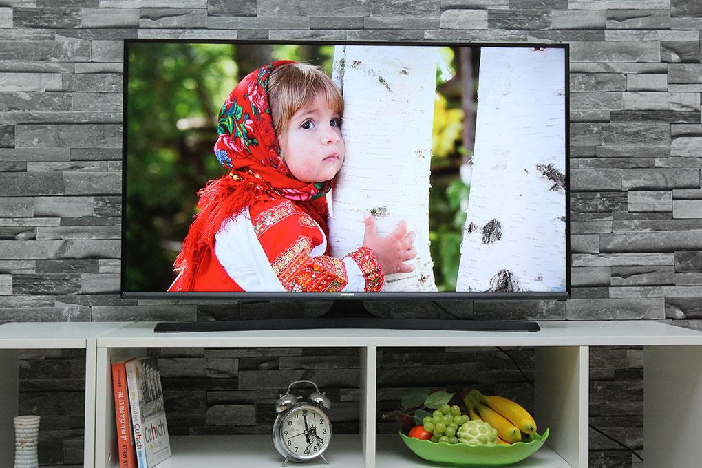 TV Samsung J5100: khởi đầu cho không gian sống hiện đại