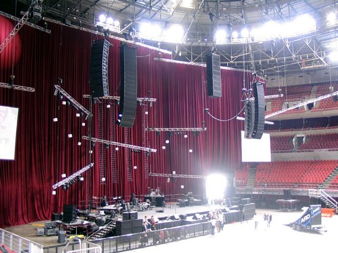 Khám phá dàn loa biểu diễn của Metallica