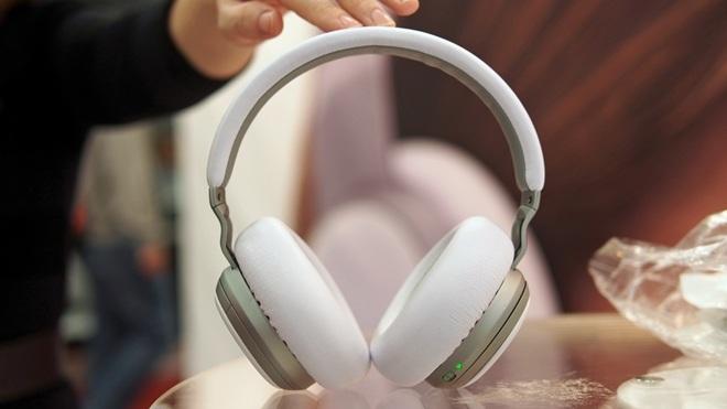 Aivvy Q có thể là chiếc tai nghe thông minh đầu tiên