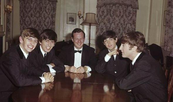 The Beatles sắp được tái hiện trong phim của Simon Cowell