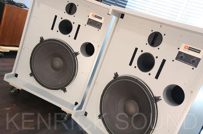 Ngắm bộ sưu tập JBL cổ của Kenrick Sound