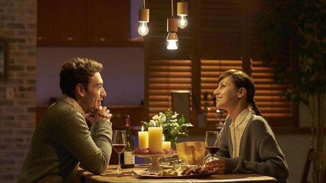 Sony chính thức bán bóng đèn lai loa không dây