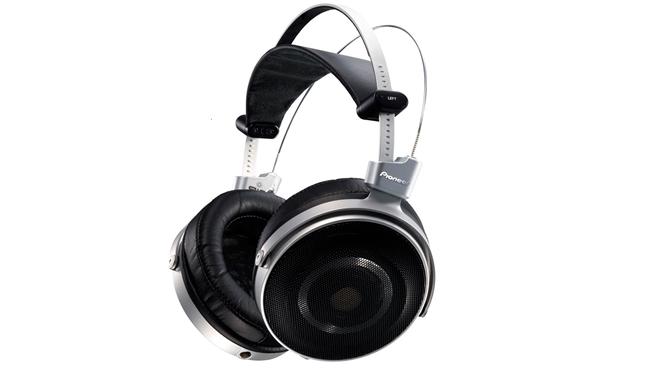 Pioneer giới thiệu tai nghe đầu bảng SE-Master1