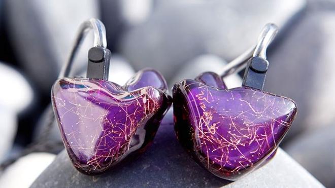 """Sự tồn tại của những """"tai nghe toàn năng"""""""