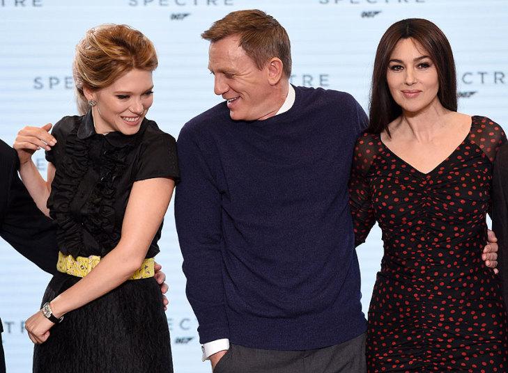 """Những """"bóng hồng"""" sánh bước cùng James Bond–Daniel Craig"""