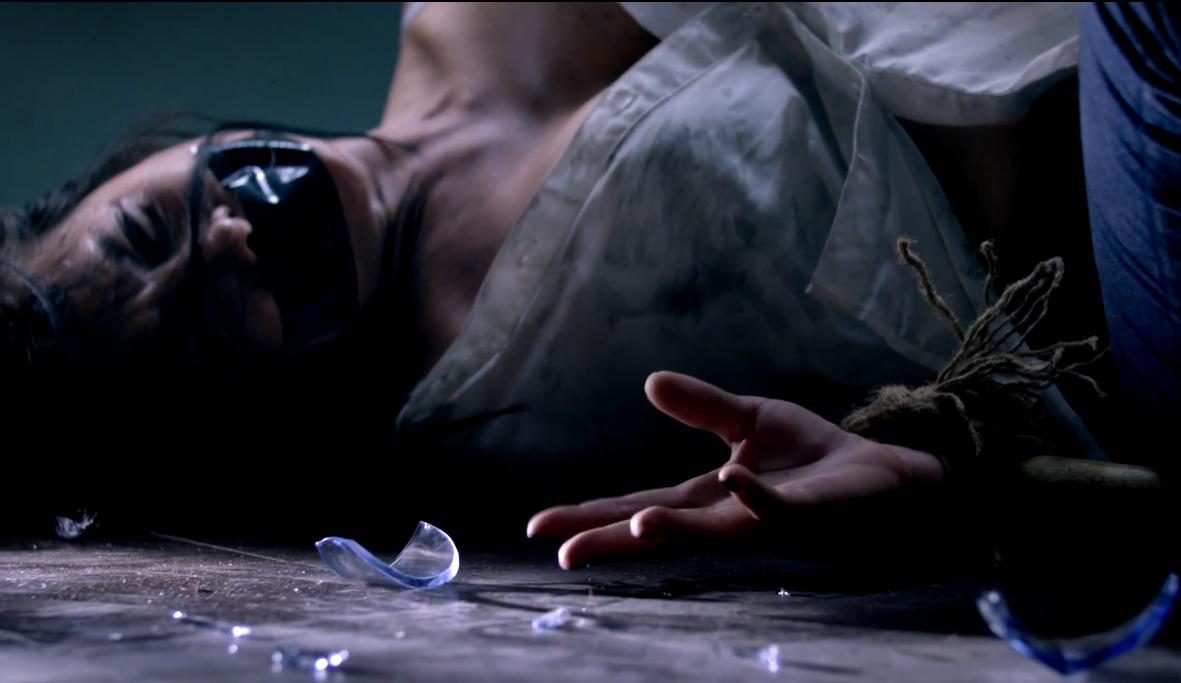 Hồn ma Ya Ya Trương Nhi sexy trong phim kinh dị 'Ám Ảnh'