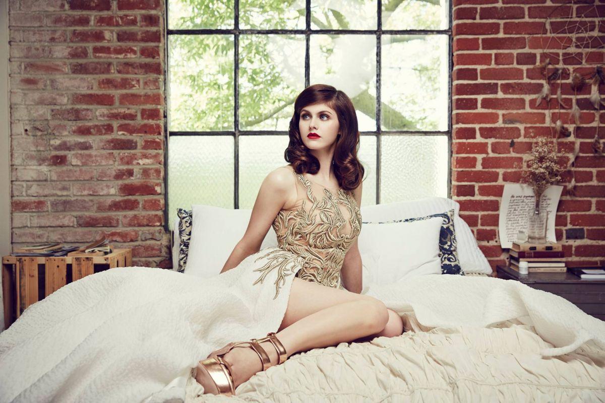 """Alexandra Daddario: """"nữ thần màn bạc"""" mới của Hollywood"""