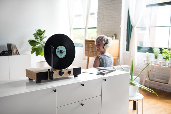 Floating Record Vertical Turntable: lại mâm đĩa than siêu độc
