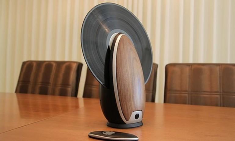 Toc: mâm đĩa than thiết kế đứng độc đáo