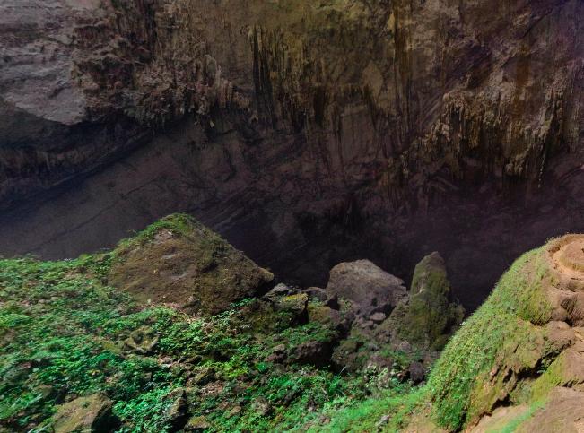 Thăm quan hang Sơn Đoòng bằng thực tế ảo