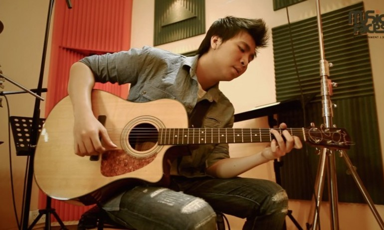 Lặng nghe 3 bản acoustic cover giàu cảm xúc của Anh Khang
