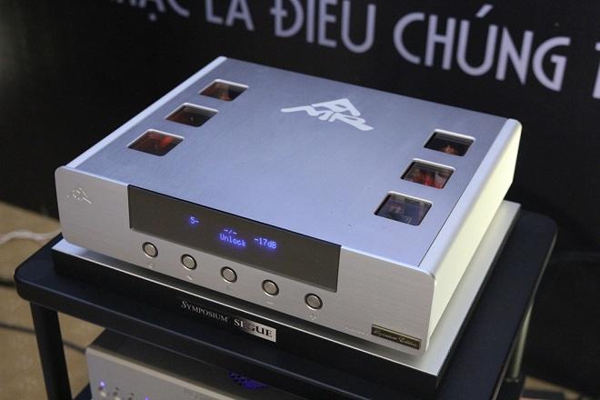 Chiêm ngưỡng dàn phụ kiện và thiết bị nhạc số tại Stereo Show