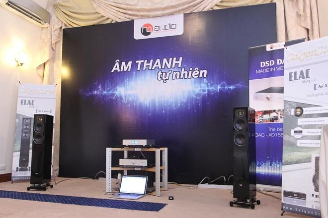 Nhộn nhịp ngày đầu sự kiện Nhạc số và Phụ kiện tại TP Hồ Chí Minh