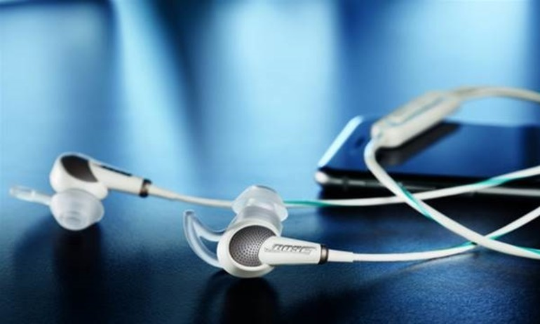 Bose giới thiệu tai nghe inear khử ồn QC20 cho Apple và Samsung