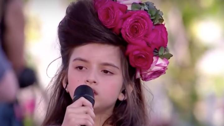 """Angelina Jordan được ví như """"đứa con"""" của Amy Winehouse"""