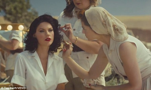 Taylor Swift tóc đen quyến rũ trong single mới 'Wildest Dreams'
