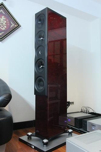 Khui thùng loa hi-end Neat Acoustics XL 10 đầu tiên tại Việt Nam