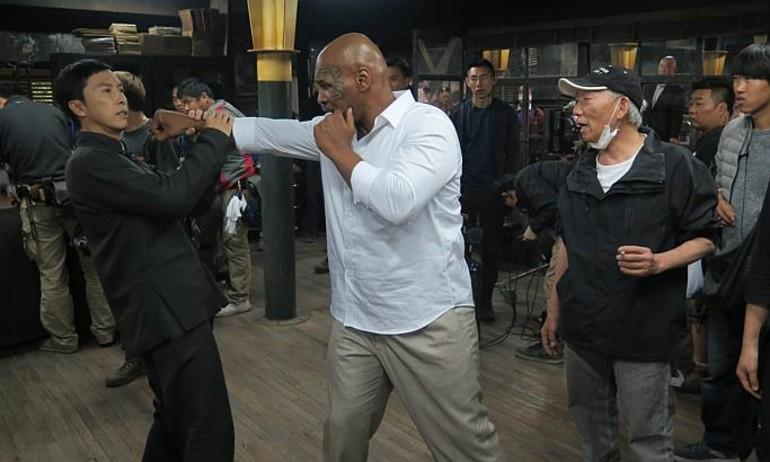 """Myke Tyson """"so găng"""" với Châu Tử Đan trong 'Diệp Vấn 3'"""