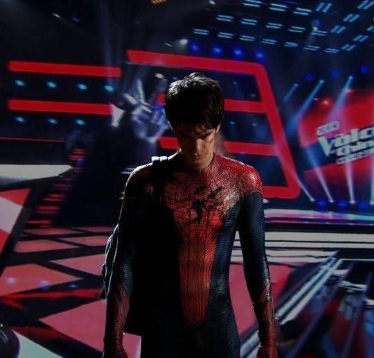 """Khi các siêu anh hùng """"gây náo loạn"""" The Voice"""