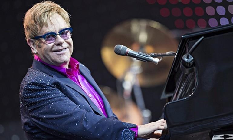 2016 chào đón sự trở lại của Elton John