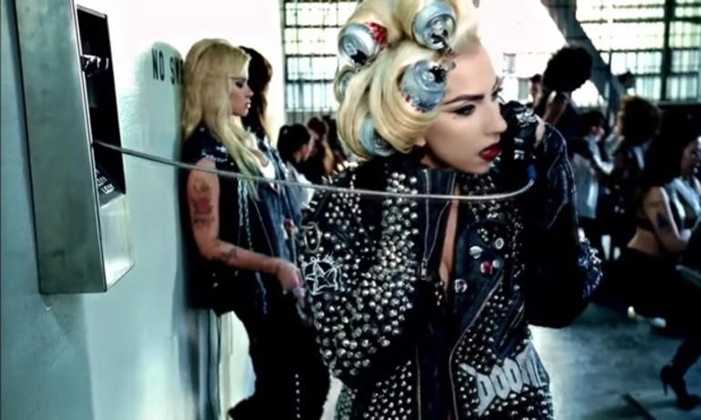 Video chế ca khúc Hello: Lady Gaga gọi điện tiếp thị Adele