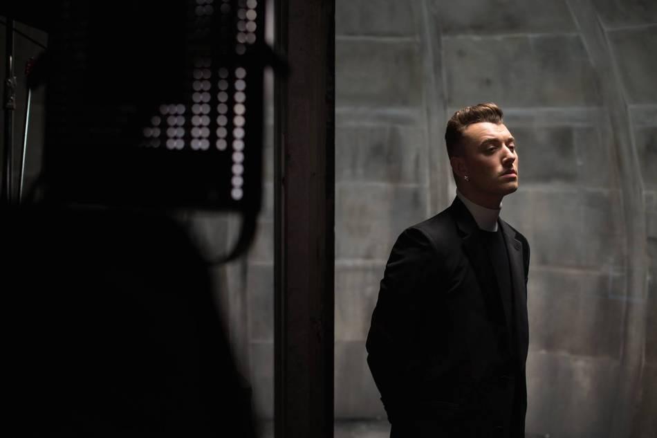 Ngất ngây với nhạc phim '007: Spectre' của Sam Smith