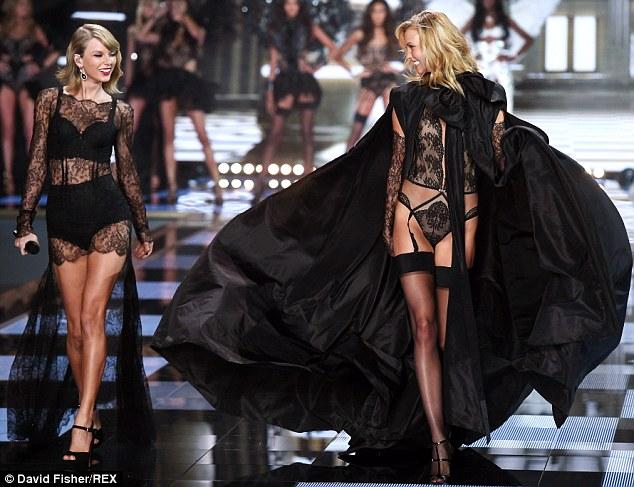 """Những """"thiên thần"""" góp giọng trong Victoria's Secret Fashion Show 2015"""