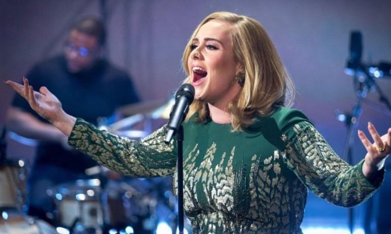 '25' của Adele sẽ chạm mốc 3 triệu bản tại Mỹ trong tuần đầu?
