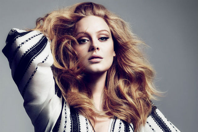 Adele lo sợ sẽ giống như Amy Winehouse