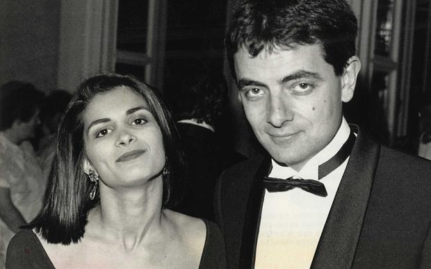 """Danh hài """"chơi lầy"""" Mr. Bean bỏ tình già, theo tình trẻ"""