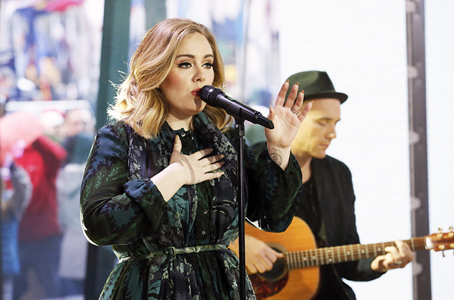 'Million Years Ago' của Adele đốn tim hàng ngàn fan hâm mộ