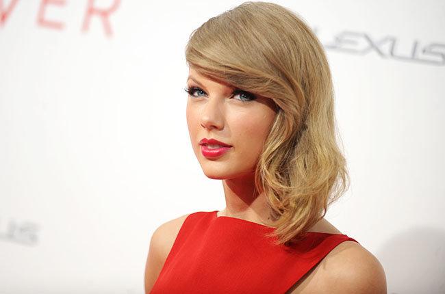 Taylor Swift dính kiện tụng vì đạo lời trong 'Shake It Off'