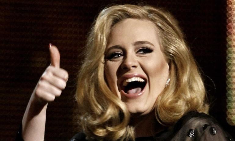 """""""25"""" của Adele sắp phá nhiều kỉ lục, các nghệ sĩ khác """"khóc thét"""""""