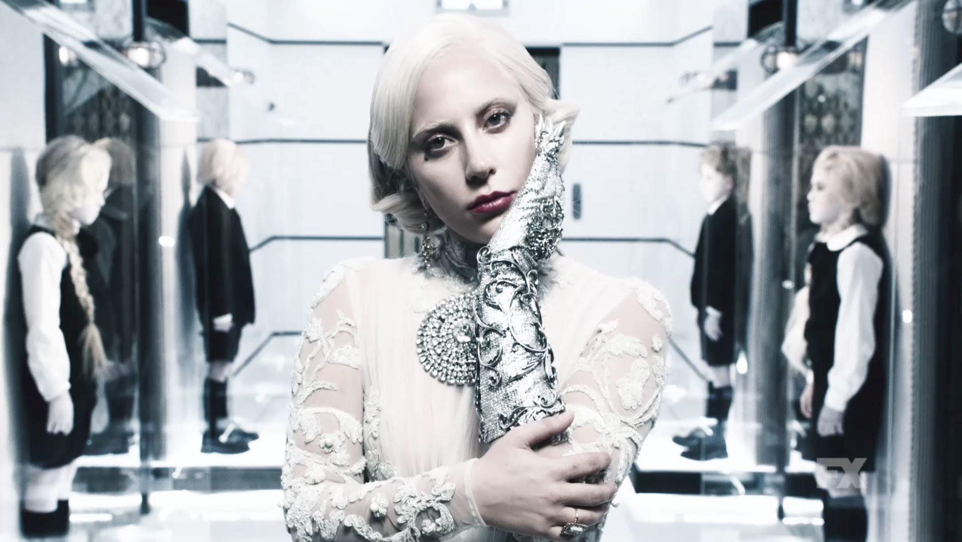 Diễn đơ, Lady Gaga vẫn được đề cử Quả Cầu Vàng 2016