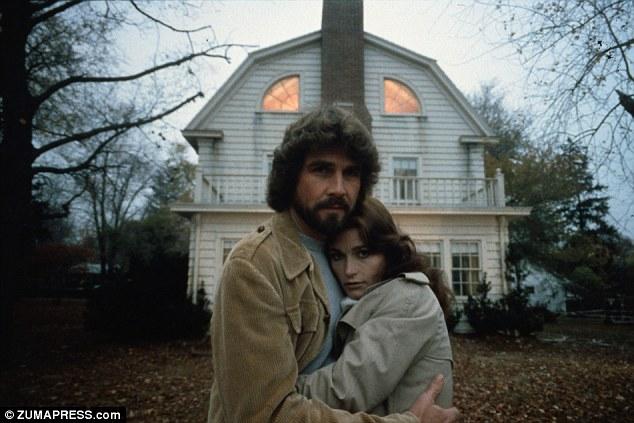 """Đoán kịch bản """"The Conjuring 2"""" dựa trên căn nhà ma ám"""