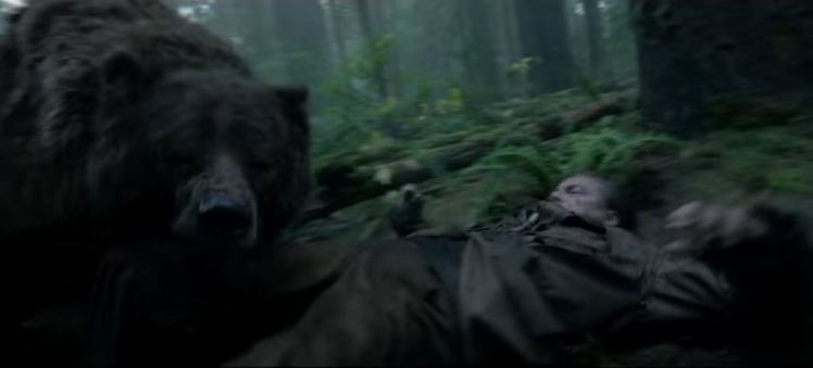 "Leonardo DiCaprio bị gấu ""làm nhục"" trong ""The Revenant""?"