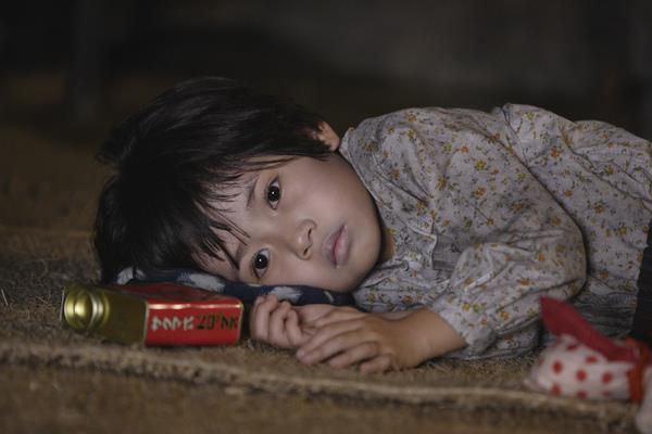 """""""Mộ Đom Đóm"""" hay là cái chết màn ảnh của cậu bé Syria"""