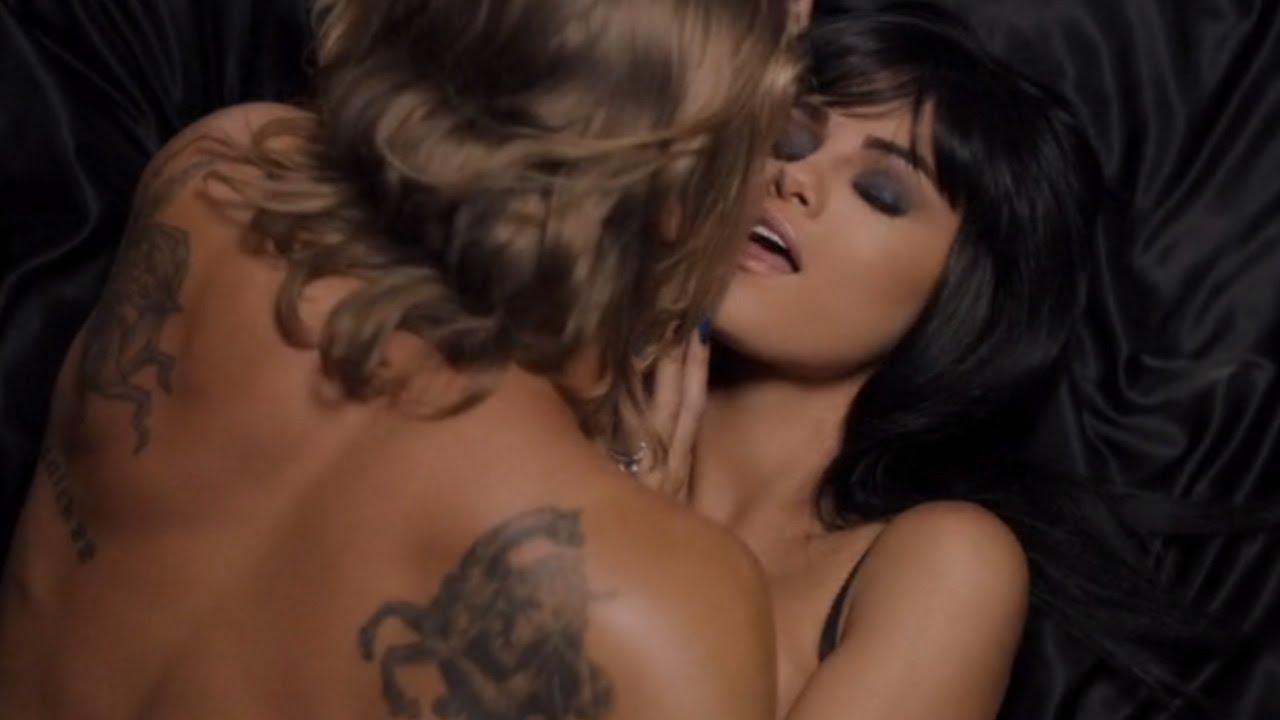 Selena Gomez trả đũa Justin Bieber bằng MV nóng bỏng mắt