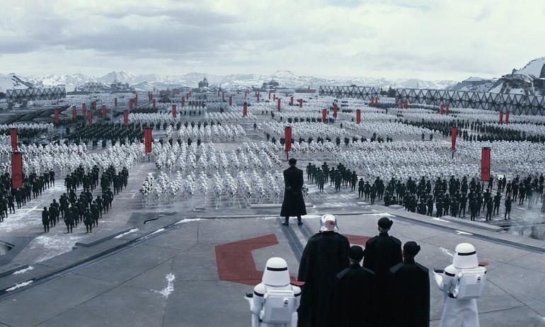 """""""Star Wars 7"""" vượt mốc 1 tỷ USD chỉ sau 10 ngày ra mắt"""