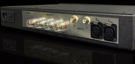 """Legacy Audio giới thiệu dòng ampli """"phổ thông"""" Powerbloc2"""